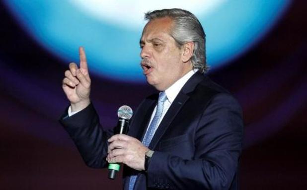 """L'Argentine en """"défaut de paiment virtuel"""", confirme son président"""