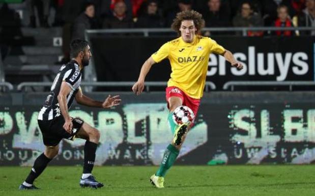 Transfer Deadline Day - Wout Faes tekent bij Reims, maar doet seizoen uit bij Oostende