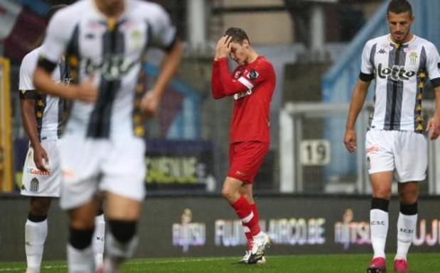 Jupiler Pro League - Charleroi blijft foutloos na zege tegen tien Antwerpenaren