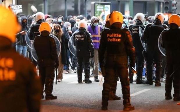 Verschillende beschadigingen na manifestatie voor overleden van Brusselse jongeman
