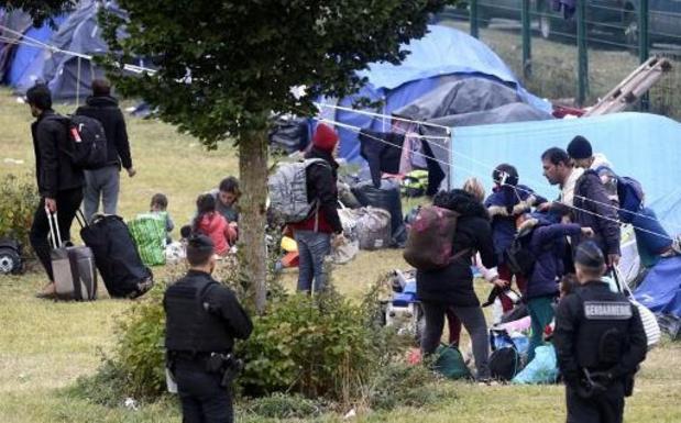 Evacuatie migrantenkamp Grande-Synthe gestart