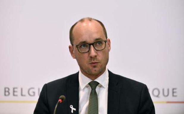"""Van Peteghem """"raakt niet"""" aan belasting op onroerende goederen in België"""