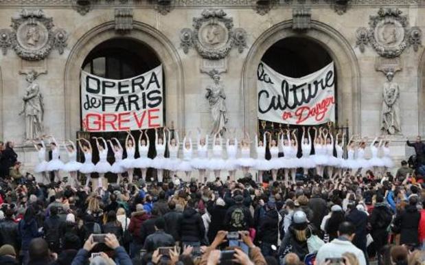 Brexit et mouvements sociaux ont fait stagner la fréquentation touristique à Paris en 2019