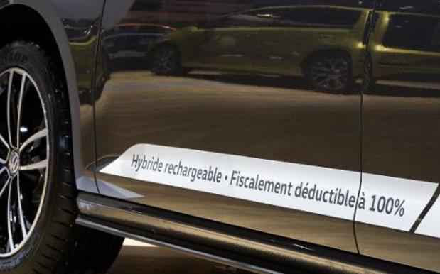 Des voitures hybrides rechargeables polluent bien plus qu'annoncé