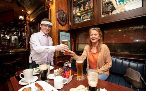 Feu vert du gouvernement irlandais à la réouverture des pubs