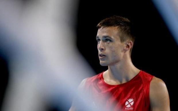 Josh Taylor verenigt bokstitels bij superlichtgewichten
