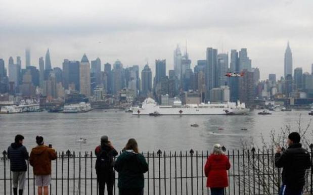 Arrivée à New York d'un navire-hôpital militaire de 1.000 lits
