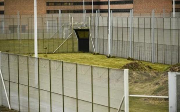 Le médiateur fédéral demande l'arrêt immédiat des fouilles à nu systématiques