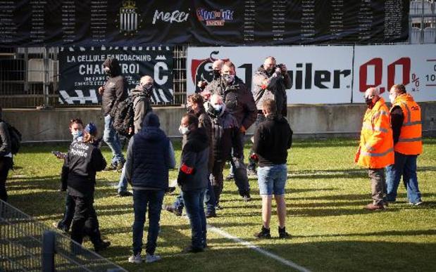 Jupiler Pro League - Hommeles in Charleroi: misnoegde fans dringen Mambourg binnen