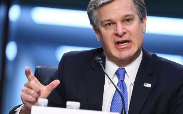 """Aanval op Capitool was """"binnenlands terrorisme"""", zegt FBI-chef"""