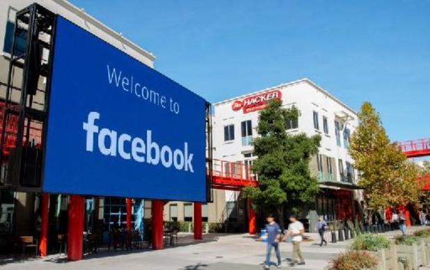 Facebook past thuiswerk aan na grote panne