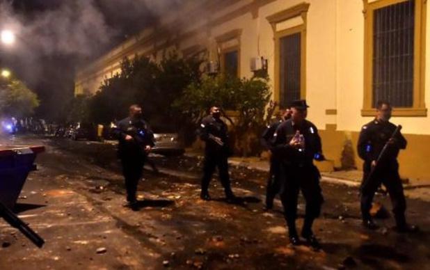 Protesten tegen regering monden uit in rellen in Paraguay