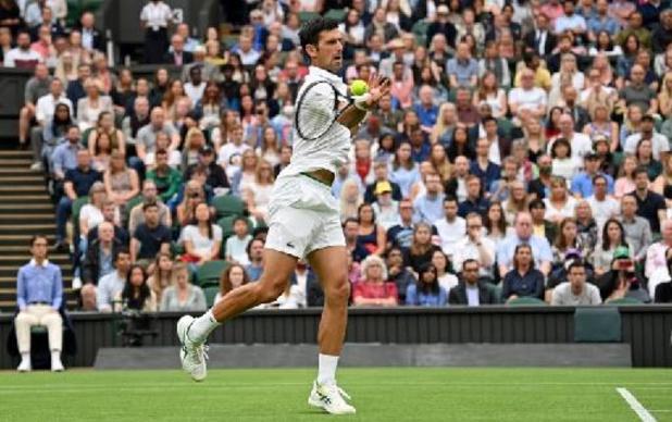 Wimbledon: Novak Djokovic cède une manche puis déroule lors de son entrée dans le tournoi