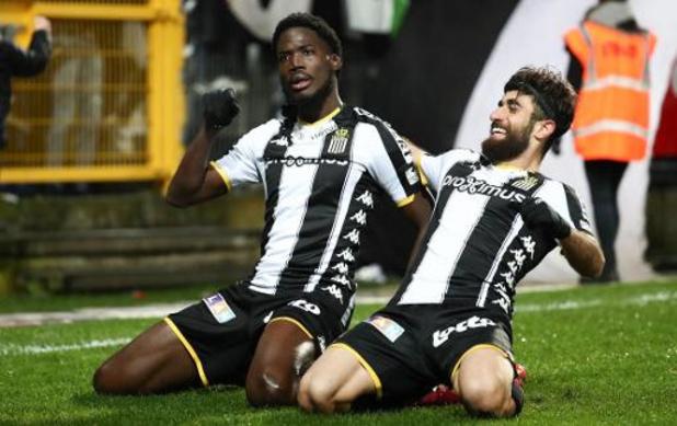 Jupiler Pro League - Charleroi bat le Standard avec la manière et remporte le derby wallon