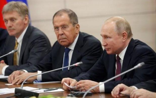 """Le Kremlin dénonce les nouvelles sanctions occidentales, """"absolument inacceptables"""""""