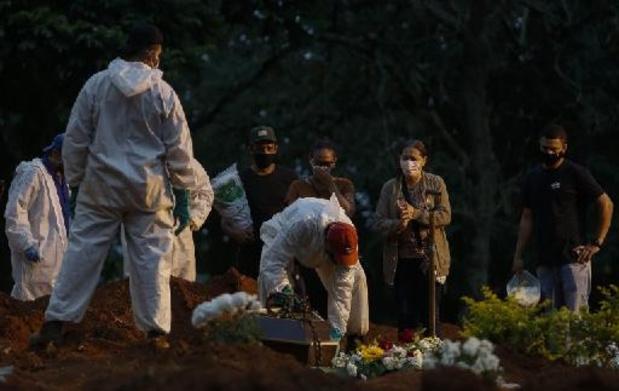 Covid: pire taux de mortalité des Amériques pour le Brésil