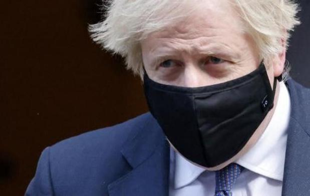 Lockdown duurt op sommige plaatsen mogelijk tot eind maart, waarschuwt Britse premier