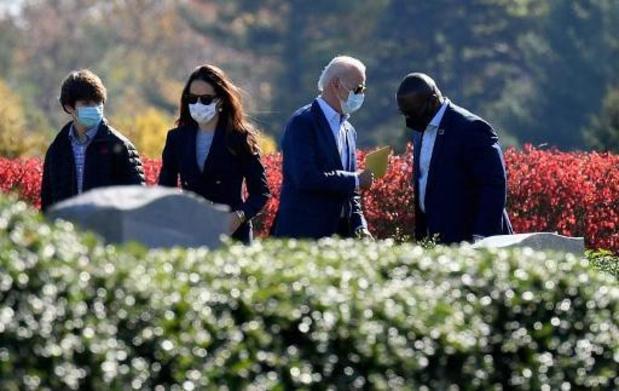 Présidentielle américaine 2020 - Joe Biden se recueille auprès de ses proches défunts