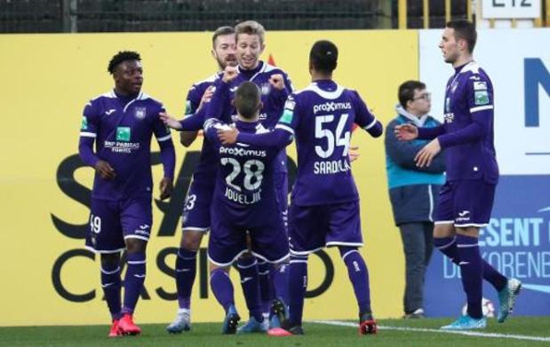 Jupiler Pro League - Anderlecht klopt rode lantaarn Waasland-Beveren en behoudt uitzicht op Play-off I