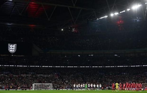 Kwal. WK 2022 - Opstootje tussen Hongaarse fans en Londense politie in Wembley