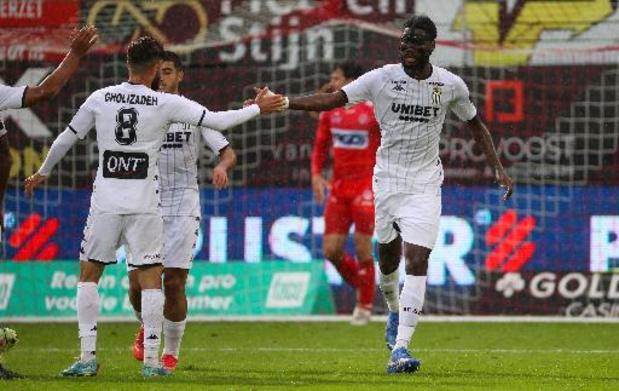 Jupiler Pro League - Charleroi vermijdt in extremis nieuwe nederlaag bij Kortrijk met late 2-2