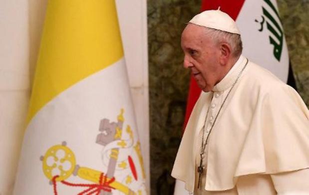"""Le pape dénonce les """"barbaries insensées"""" de l'EI contre les Yazidis d'Irak"""