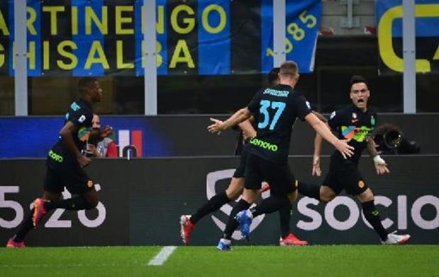 Belgen in het buitenland - Bologna en scorende Theate lopen tegen oplawaai aan bij landskampioen Inter