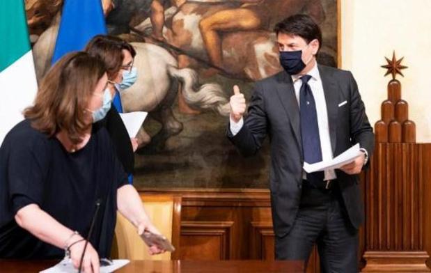 """Etats généraux sur la relance: Conte évoque un """"choc sans précédent"""" pour l'Italie"""