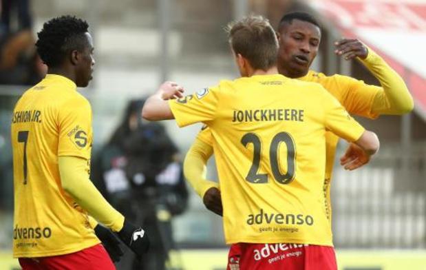 Anderlecht, met heroptredende Kompany, verliest spektakelstuk bij KV Oostende
