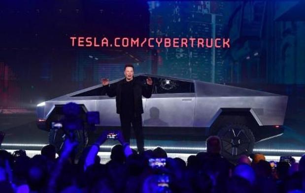 Elon Musk accepte le défi lancé par Ford sur son cybertruck