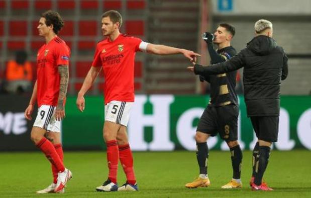 Belgen in het buitenland - Benfica blijft in spoor van Sporting Lissabon na overwinning op Gil Vicente