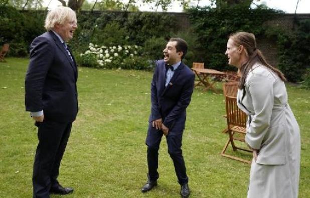 Coronaverpleegkundige van Britse premier Johnson stapt op door gebrek aan respect en loon