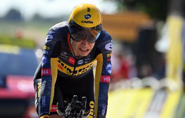 Wout van Aert vlamt naar zege in tweede tijdrit Tour de France
