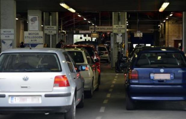 Nieuw op 1 december - Strengere controles op gebreken aan autolichten