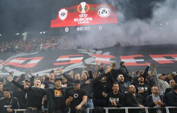 Duitse hooligans vallen Antwerps supporterscafé aan