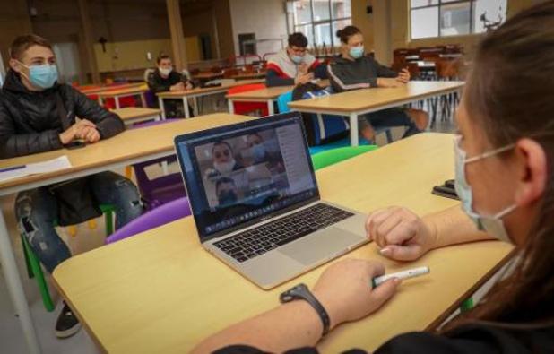 Zowat 12 procent in lager onderwijs en 23 procent in secundair heeft schoolse achterstand