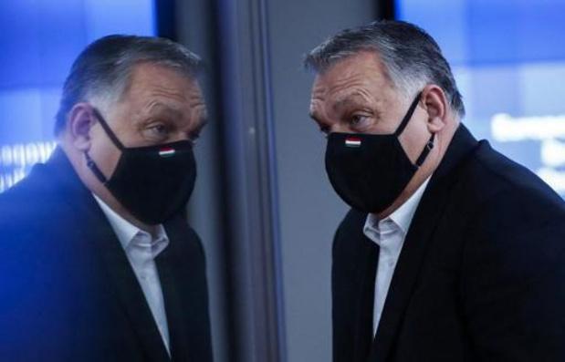 Hongrie: Orban promet de légiférer prochainement face aux géants du numérique