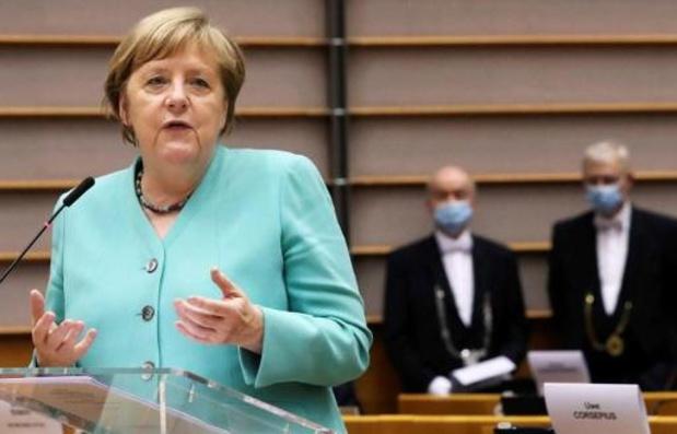 Merkel dringt aan op Europese eenheid en solidariteit