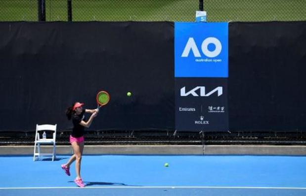 Twee spelers van Australian Open testen positief op coronavirus