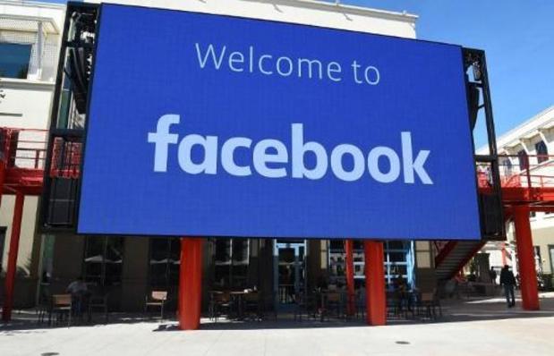 Des modérateurs de Facebook se plaignent d'une présence obligatoire par peur du corona