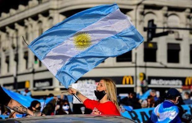 Coronavirus - Des milliers d'Argentins manifestent contre le confinement antivirus