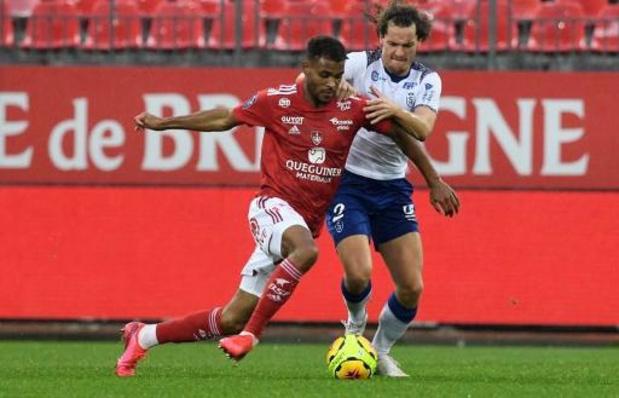 Belgen in het buitenland - Raman scoort in 2-2 gelijkspel van Schalke, Belgen bij Reims onderuit