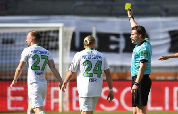 """Un arbitre de Bundesliga a trouvé """"plus agréable qu'avant"""" discuter avec les joueurs"""