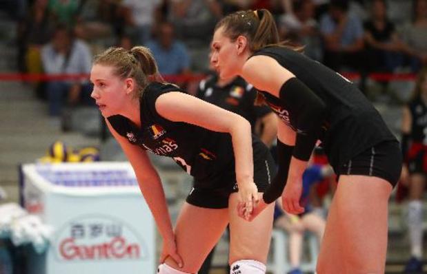 Championnat d'Europe de volley féminin - Battue par la France, la Belgique termine 4e de son groupe et défiera l'Italie en 8e