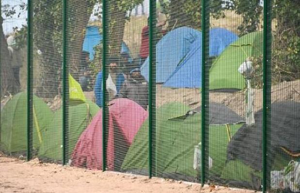Calais: des associations saisissent la Défenseuse des droits et des rapporteurs de l'Onu