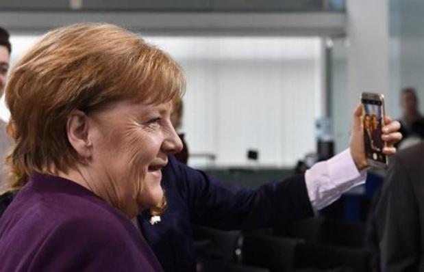 Vluchtelingenstroom - Erdogan vraagt Merkel lasten eerlijker te verdelen
