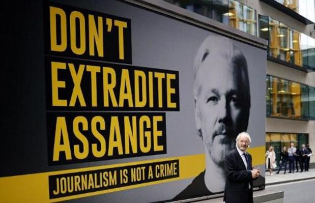 Bruxelles: 25.000 signatures pour Julian Assange remises à l'ambassade américaine