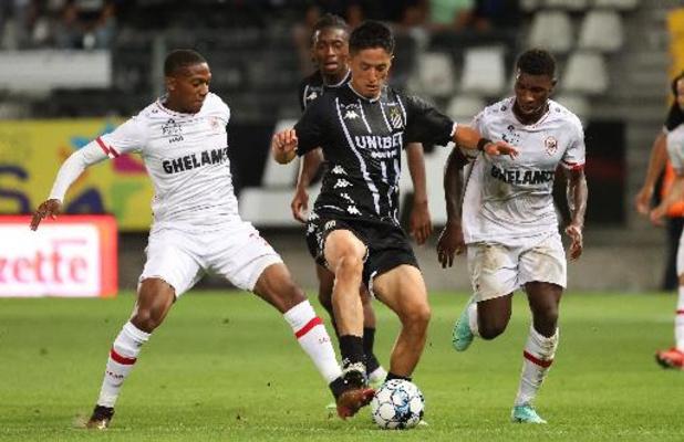 Jupiler Pro League - Charleroi en Antwerp delen de punten