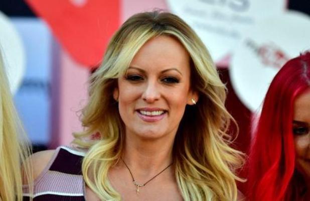 Ex-advocaat van Trump excuseert zich bij pornoactrice Stormy Daniels