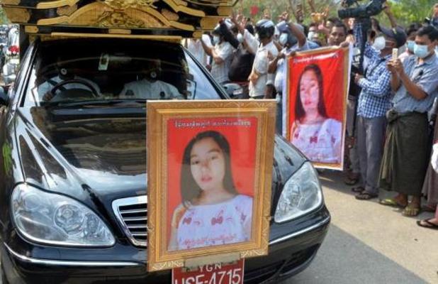 Duizenden mensen protesteren in Myanmar